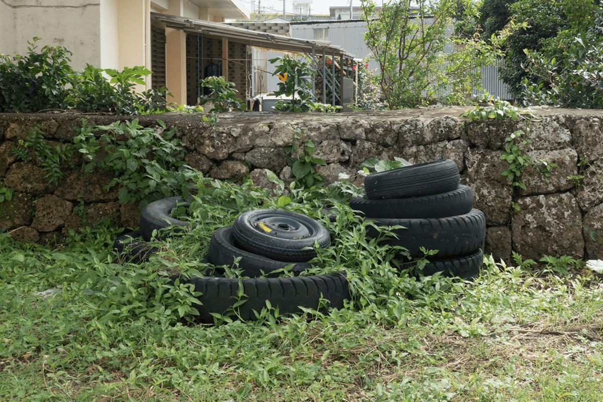 古くなったタイヤ